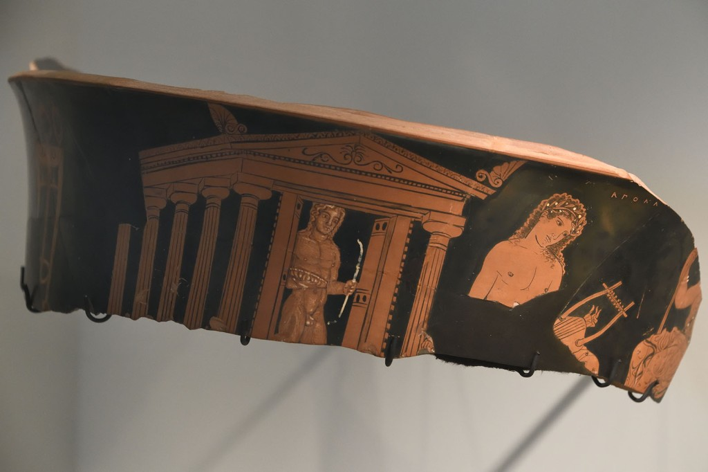 Fragment of a pot showing the temple and cult statue of Apollo