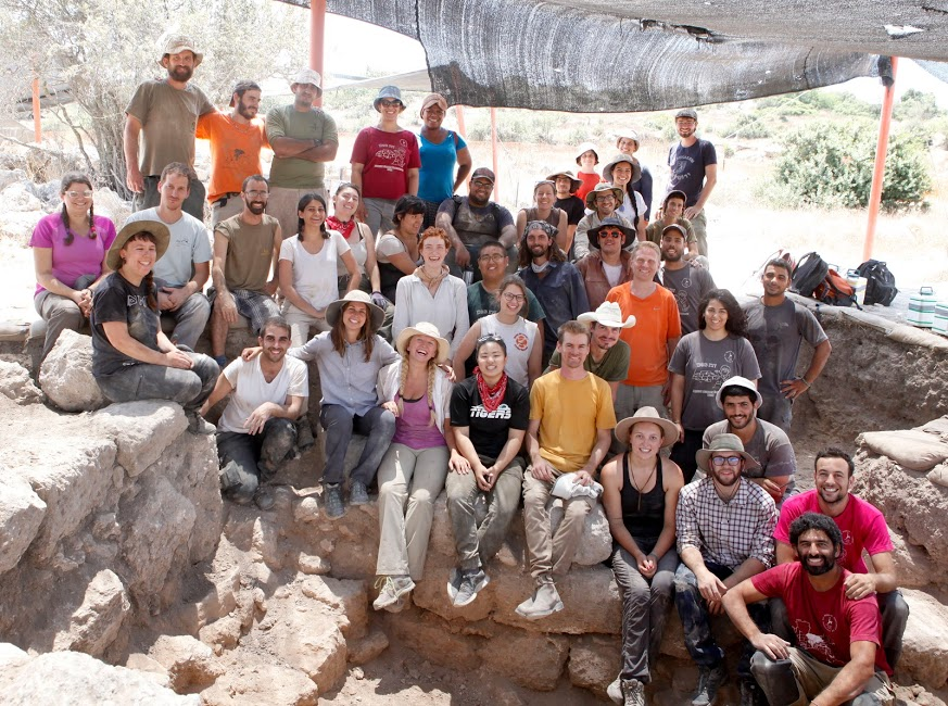 UBC and Hebrew University students and staff at the Horvat Midras excavations in 2018.