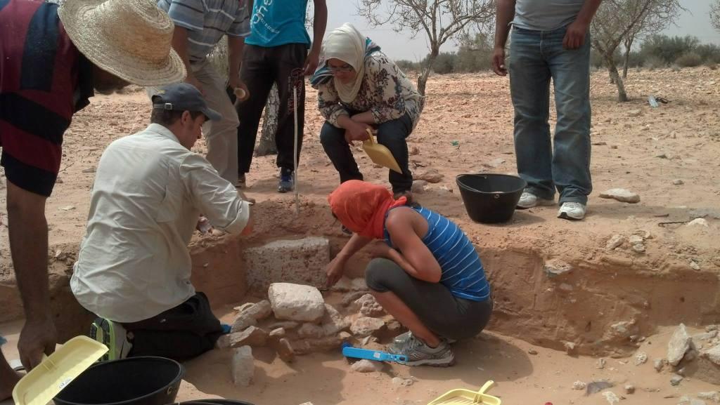 Excavations at Zita, 2013 (photo by H. Barnard)