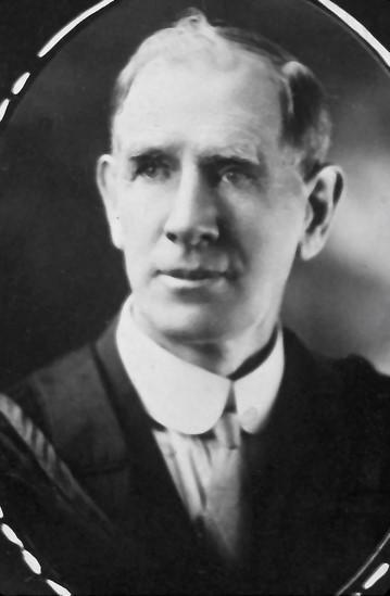 Black and white photograph of A.E. Hetherington.